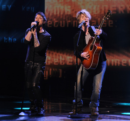 The X Factor USA 2013 Spoilers - Jeff Gutt with John Rseznik