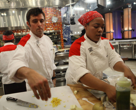 Who went home on hell's kitchen 2014 last night week 16 reality